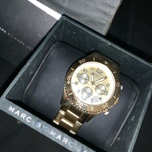 Marc Jacobs's  gold watch